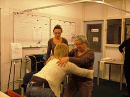 Vrijwilligerswerk Hospice, training: hoe moet je tillen?